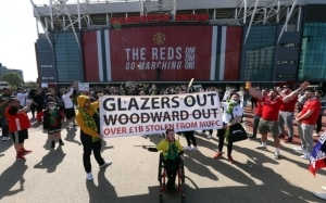 Super League protestors attack home of Manchester United chief Ed Woodward
