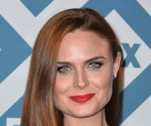 Biography & Net Worth Of Emily Deschanel