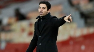 Arsenal spy PSG fullback Kehrer as Bellerin replacement