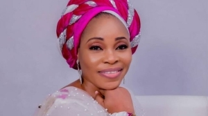 """""""This Is Jealousy And Envy"""" – Tope Alabi Dragged To Filth For Condemning Song, 'Oniduro mi' (Video)"""