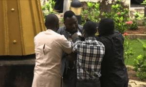DSS operatives allegedly assault journalist at Abuja court (photos)