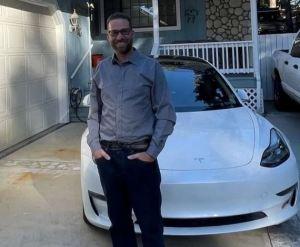OMG!! Autopilot Feature Kills A Driver Who Brags About Tesla Car