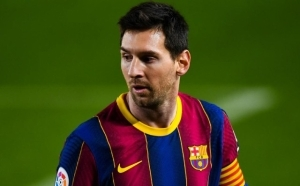 "You're f*cking me again damn it"" – How Lionel Messi announced that he would be leaving Barcelona last summer"