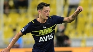 Ex-Arsenal midfielder Ozil unsettled at Fenerbahce