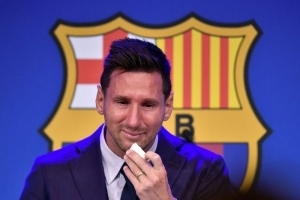 DO YOU AGREE?? Barcelona MUST Build A Messi Statue At The Front Of Camp Nou Even While Playing For PSG