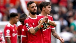 Fresh agent demand stalls Fernandes Man Utd contract talks