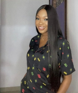 """""""Stop Pushing Your Fears Onto Me, Am Allowed To Have A Healthy Brand"""" – Vee Warns Toxic Fans"""