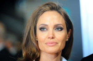 American Actress Angelina Jolie Biography & Net Worth 2020 (See Details)