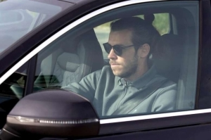 Gareth Bale Completes Tottenham Medical And Arrives In London