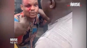 End SARS: Moment Police, LNSC Brutalized Uber Driver at Lekki Tollgate (Video)