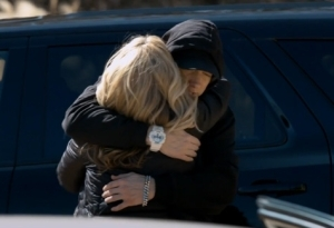 [DOWNLOAD VIDEO + AUDIO] Eminem Feat. Nate Ruess – Headlights