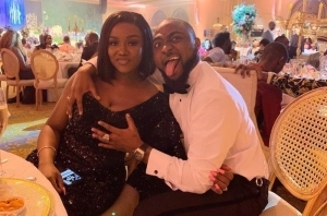 """Chioma Come And Get Your Man Out of My DM"" – Lady Shares Screenshot of Davido's Message to Her"