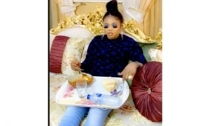 Bobrisky flaunts the interior of his very beautiful luxurious sitting room |Video