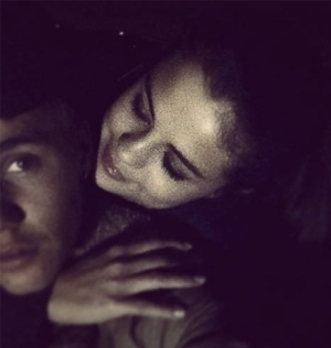 Justin Bieber - Strong Ft. Selena Gomez