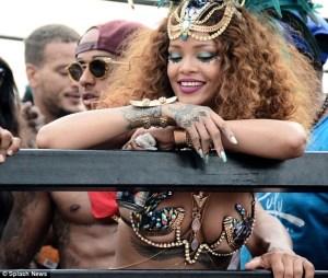 VIDEO: Rihanna Twerks Off At Barbados Festival
