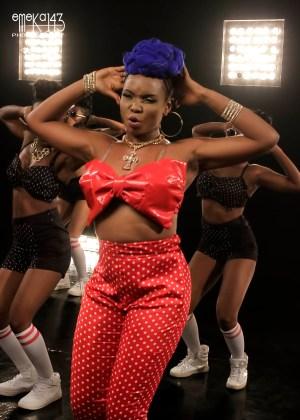 Yemi Alade - Pose Ft. R2Bees