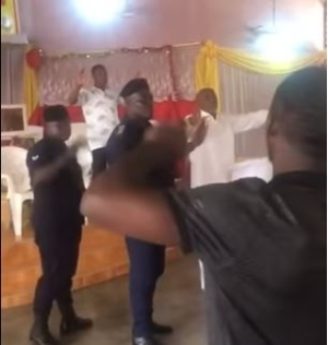 Coronavirus: See Moment Police Officers Stormed Church To Arrest Pastor For Conducting Service