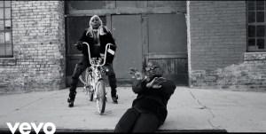 Nez Feat. Flo Milli & 8AE - To The Money (Video)