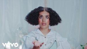 Alessia Cara - Sweet Dream (Video)