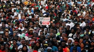 No Blood Must Be Shed — #EndSARS Protesters Warn Police, Military As Nigerians Protest In Over 15 State Capitals