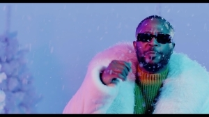 Tunde Ednut – Jingle Bell Ft. Davido, Tiwa Savage & Seun Kuti (Video)