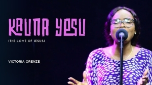 Victoria Orenze – Kauna Yesu (The Love Of Jesus) (Video)