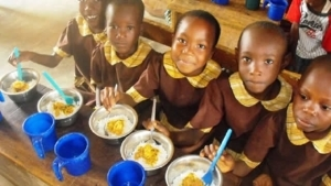 Home Feeding For Schoolchildren Begins As Parents Collect Pupils' Rations