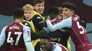 Aston Villa hand seven youngsters pro contracts
