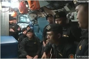 Heartbreaking Video Of Indonesian Navy Officers Singing Goodbye Song Before Their Submarine Sank