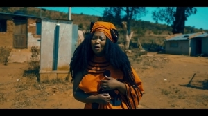 Rethabile Khumalo – Ntyilo Ntyilo ft. Master KG (Video)