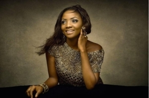 Simi gives birth to a baby girl