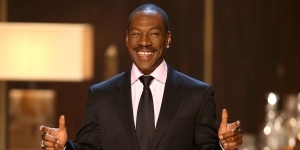 Eddie Murphy Wins His Very First Emmy For SNL Comeback