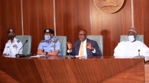 Your best not good enough, Buhari chides service chiefs