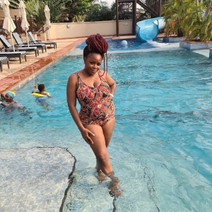 Singer Omawumi Shares Lovely Swimwear Photos