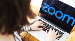 Zoom suffers outage as students start classes online