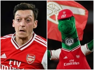 Mesut Ozil Willingly Sacrifices His Salary For Arsenal's Gunnersaurus