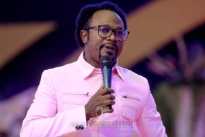 Something Bad Is Going to Happen to Nigeria in May, June, July - Prophet Iginla Weeps for Nigeria (Video)
