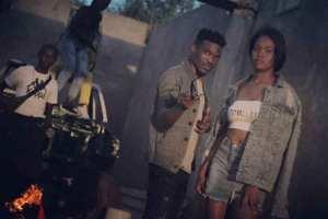 Deejay Zebra SA – Massive Light