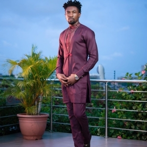 """""""Hide Your Wives"""" - Boma Warns Men as he Steps Out (video)"""