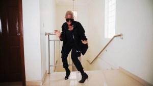 Fella Makafui – No Size (Music Video)