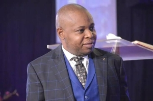 'Renting An Apartment Is Sin' – Nigerian Pastor Causes Stir (+Video)