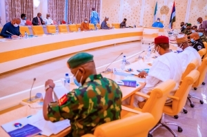 President Buhari Meets With Security Chiefs (Photos)