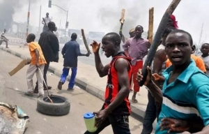 JUST IN!!! Thugs Invade Delta Court, Chase Away Judge, Lawyers (See Full Details)
