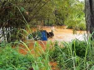 Five Rescued As Bus Plunges Into River In Ebonyi