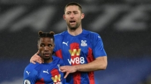 Crystal Palace eager to secure Gary Cahill to new deal