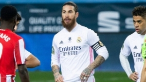 Ex-Real Madrid captain Ramos due in Paris for PSG medical
