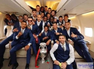 Photo: C. Ronaldo And Team-Mates Pose With The EURO 2016 Trophy Inside His Private Jet