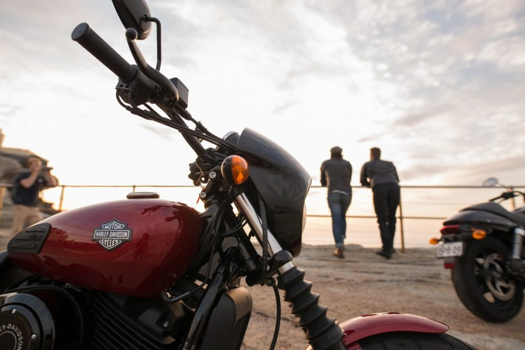 An Urban Adventure // Sydney (NSW) Henry Brydon, Photo Daniel Bolt, motorbike, mates, bikers, view, beach