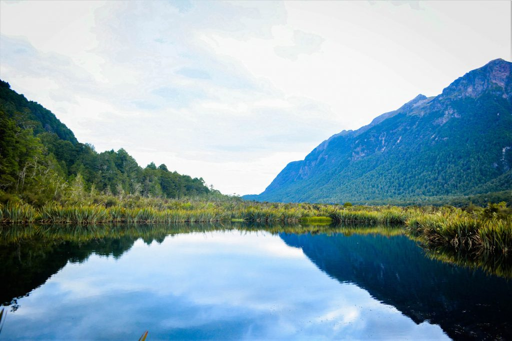 Lisa Owen Te Anau - Milford Highway Hikes Mirror Lakes
