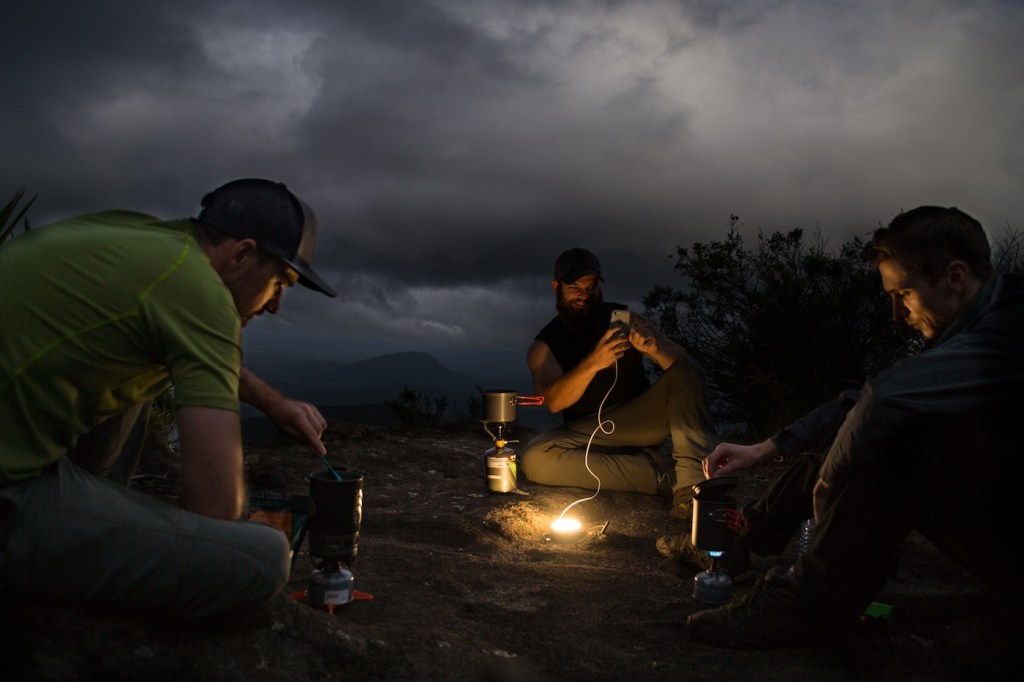 Lander Cairn Lantern // Gear Review, Dan Parkes, Cooking, group, stoves, lantern, phone, charging